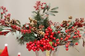 Winterberry Christmas Tree by French Inspired Red U0026 White Christmas Decoration