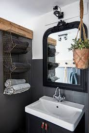Small Bathroom Decor Ideas Pinterest by Best 25 Vintage Bathrooms Ideas On Pinterest Tiled Bathrooms