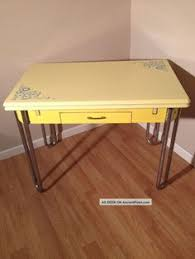 A Real Fun 1930s Drop Leaf Enamel Table Just Looking For The Right