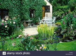 100 Design Garden House Pond Patio And Small Plants Flowers Table Chairs