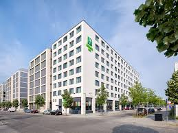 100 Hotel 26 Berlin East S Holiday Inn City East Side