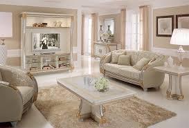 tv wand mit klassischen linien ideal für die dekoration