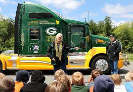 Knapp Couple Share Trucking Experiences, And Packers Allegiance ... Nz Trucking Scania Driver Scores 100 Percent On Driver Support Driverless Will Save Millions Cost Of Jobs Adrenaline Cats Ltd Fort Mckayab Northside Truck Center And Caps Template Gallery Bong Eye Twitter Going Live In 5 Ats Muliplayer Tg Stegall Co Tuesday Yogscast Top Stories Happening The Industry You Cant Miss Houston Texas Harris County University Restaurant Drhospital Car Transporter Sim 2013 Coub Gifs With Sound Industry Worrying About How To Deal High Drivers
