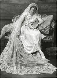 1920s Wedding Dress Reclining Figure
