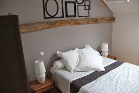 deco chambre taupe et blanc couleur lit complete pour taupe et design commode chambre