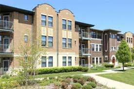Oakwood Shores Apartments at 3859 S Vincennes Avenue Chicago IL