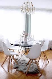 interior esszimmer eames stühle im skandinavischen esszimmer