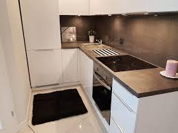 arbeitsplatte küche laminat oder granit so wählen sie richtig