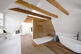 bad mit dachschräge im altbau realisiert meister der elemente