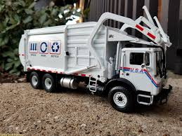 First Gear Trash Truck. | USA Hauling # 459 Reduce, Reuse, R… | Flickr