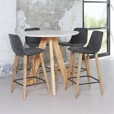 table haute cuisine table haute de cuisine sandinave blanche ronde sur cdc design