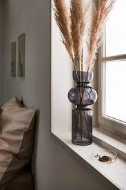 stylische vasen als perfekte fensterbankdeko vasen