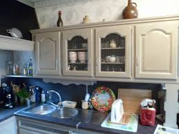 comment repeindre une cuisine meuble repeint en gris great comment repeindre un meuble en gris
