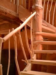 les escaliers en rondins bruts bruno courty fustier breton à