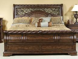 Vaughan Bassett Twilight Dresser by Arbor Place King Sleigh Bed