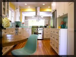 moutarde blanche en cuisine cuisine noir et jaune mobilier maison meuble de cuisine jaune avec