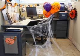 Office Cubicle Halloween Decorating Ideas by 26 Wonderful Office Halloween Decorating Contest Ideas Yvotube Com
