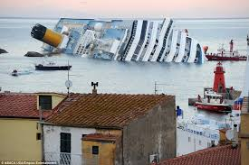 costa concordia accident pictures of cruise ship sinking off