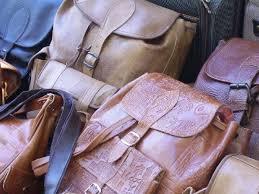 enlever odeur canapé cuir comment enlever l odeur du cuir toutcomment