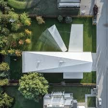 100 Rectangle House Moving Terrace Follows The Sun At Robert Koniecznys