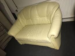 wohnzimmer sofa optik leder