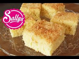 kokoskuchen im blech einfacher blechkuchen mit buttermilch