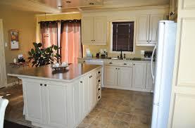 cuisine bois laqué cuisine en bois laqué et glazé comptoir de stratifié avec bande de