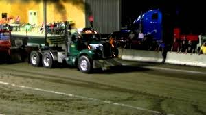 Old Mack Truck Pull And Blows Up! - YouTube