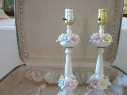 Simple Decoration Shabby Chic Lamp Stand With Flower And Painted
