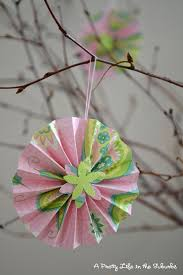 Making Paper Accordion Flowers