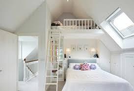 chambre lit mezzanine lit mezzanine une pièce supplémentaire cosy et intimiste