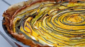 cuisiner la courgette jaune tarte hypnotique aux courgettes jaunes et vertes recette par niya