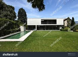 100 Www.home And Garden Beautiful Modern House Outdoors Pool Stock Photo