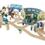 Thomas Tidmouth Sheds Deluxe Set by Train Tracks U2013 Fisher Price Thomas The Train Wooden Railway
