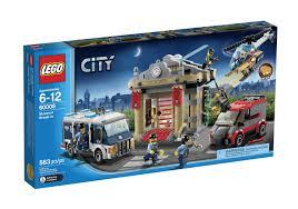AmazonSmile: LEGO City Police Museum Break-in 60008: Toys & Games ...