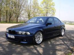 View of BMW 523 i s video features and tuning