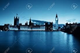 chambre du parlement big ben et de la chambre du parlement de londres au crépuscule