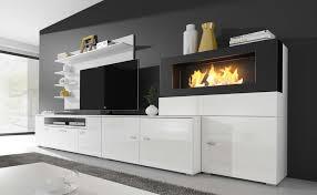 moderne wohnwand mit integriertem bioethanol kamin real