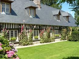 chambre hote de charme normandie les roses trémières chambres d hôtes de charme et de caractère en
