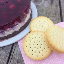 kirsch schmand doppelkeks torte no bake cake glutenfrei