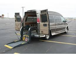 2000 Chevy Express Handicap Accessible Conversion Van Wheelchair Rear Lift