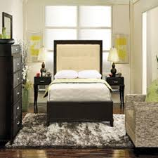 Luxury Small Bedroom Ideas With Queen Size Bed