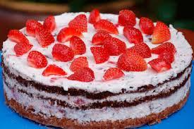 erdbeer quark torte mit schokoküssen kuchen aktuell