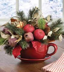 Celebrate The Most Exciting And Cherished Holiday Of Entire Year With Gorgeous Christmas Floral Arrangements That Bring Nature Indoors Set A Mood