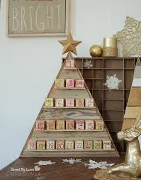 DIY Advent Blocks Pallet Christmas Tree