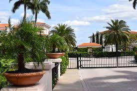 Gated munities in Naples Fl