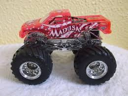 HOT WHEELS MONSTER Jam Truck MADUSA X-RAYS 1:64 Series Pink Rare ...