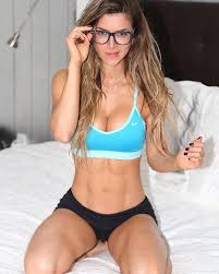 NERDY & ADORABLE Colombian Fitness model sensation Anllela Sagra