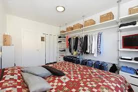 صيح الصفحة الرئيسية الأوزون غرفة ملابس خلف السرير