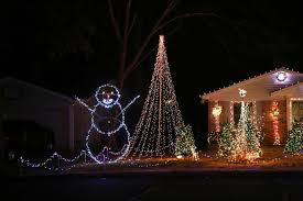 Flagpole Christmas Tree Topper by How Long Are The Light Strands You Use For 20 Foot Mega Trees